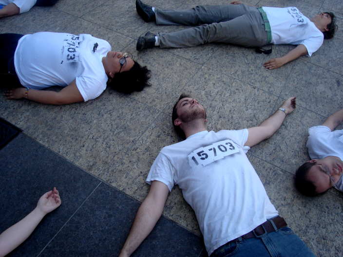 "Protesters ""Die In"" for peace"