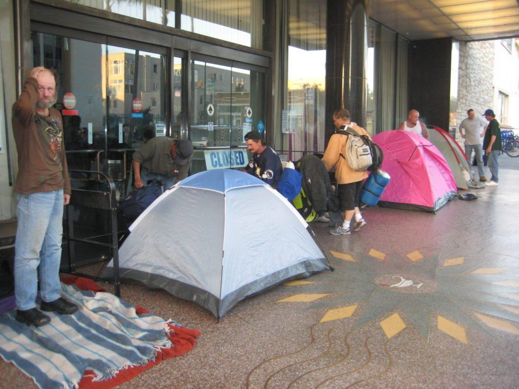 San Diego's Tent City: Everynight - 129.8KB