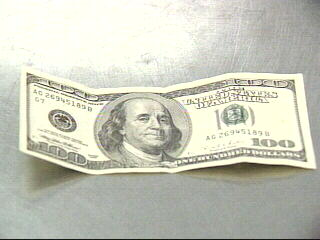 counterfeit 100 dollar bill