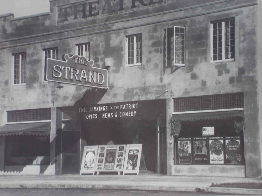 Strand Theater plaque 002-ed-sm