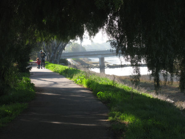rose creek path promenade