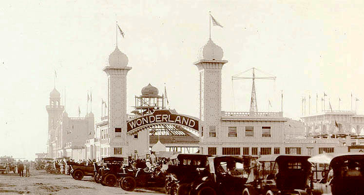 Wonderland OceanBeach-Entrance