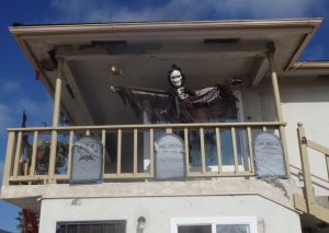 Post image for The Ghoulish Sights of Halloween In OB – a Photo Gallery