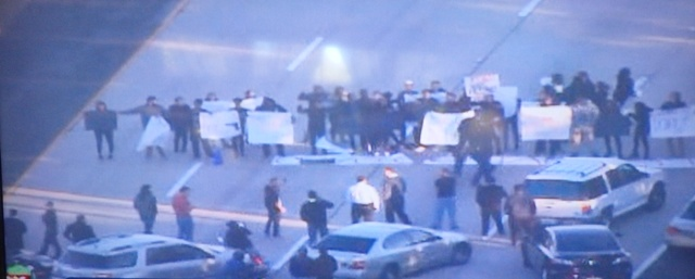 Post image for In Solidarity With Ferguson, San Diego Protesters Shut Down 2 Freeways