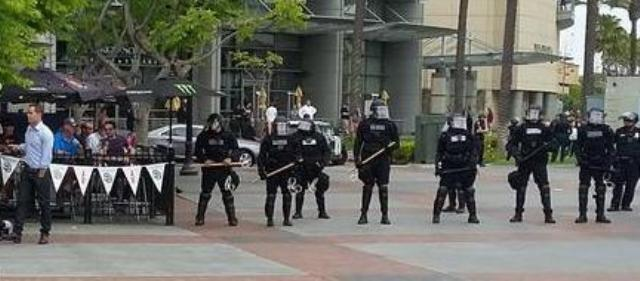 Police presence at San Diego Trump rally, May 27, 2016